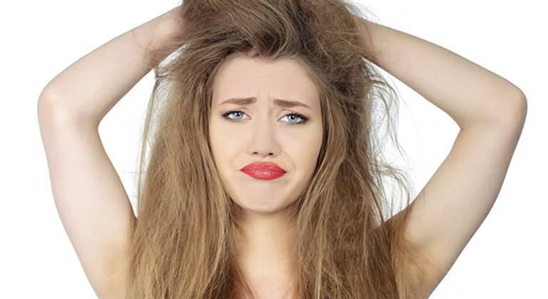 I principali rimedi per capelli crespi | Garnier